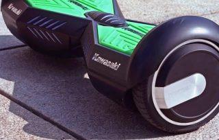 Deskorolka elektryczna KAWASAKI – gadżet, czy nowy środek transportu?