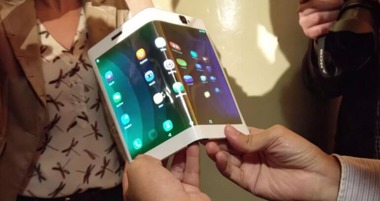 Tablet Lenovo Folio ze zginanym ekranem
