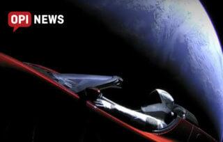 Elon Mosk wystrzelił samochód tesla w kosmos!