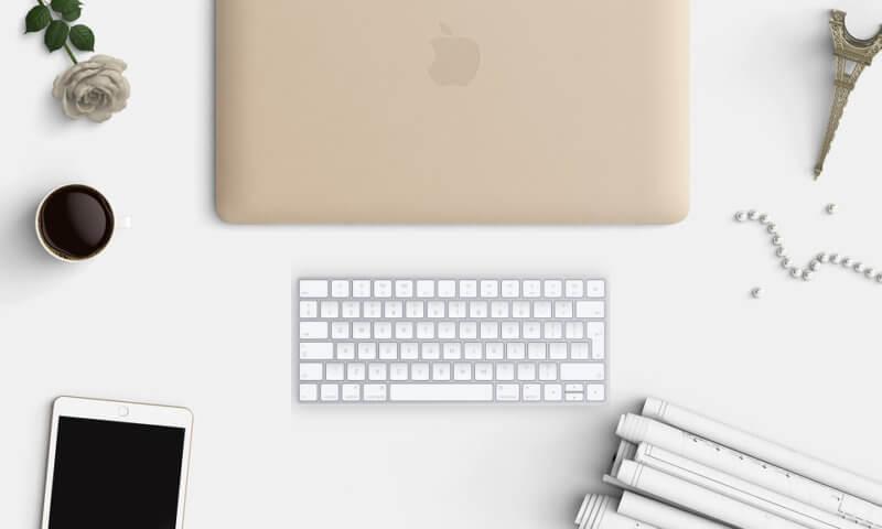 Apple Magic Keyboard na biurku