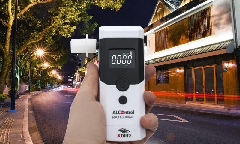 Ciekawy i miarodajny alkomat XBLITZ AlControl Professional